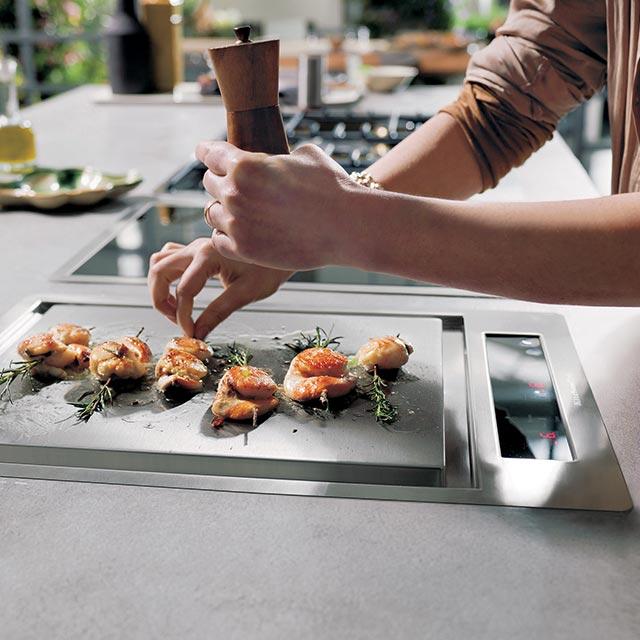 Domino kochfelder offizielle website von kitchenaid - Modulares kochen ...