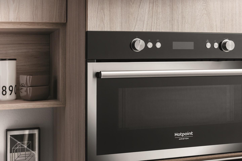 Forni a microonde da incasso e combinati in acciaio hotpoint it - Misure forno da incasso ...