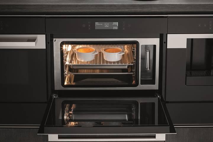 Nuovo forno a vapore da incasso | Hotpoint Innovazione ...