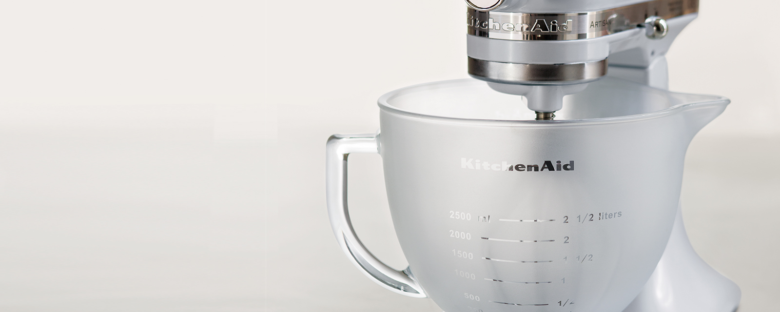 Mixing Bowl Is Dishwasher , Freezer  And Microwave Safe, And Made Of  Durable, Sturdy Glass. Dishwasher Safe.